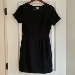 Short Black fitted Dress Size: Sm